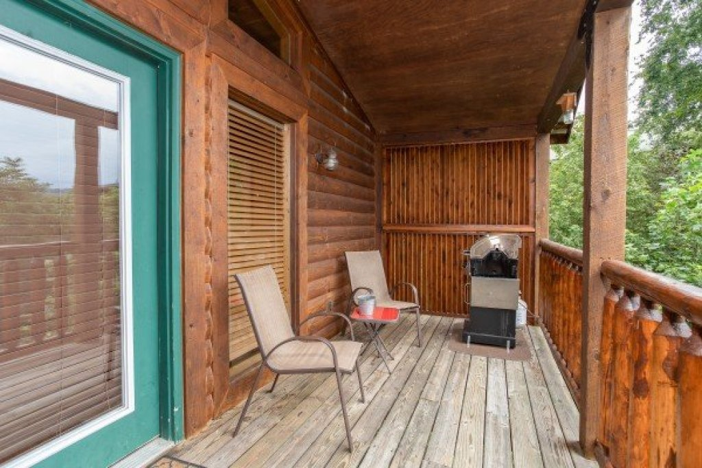 Photo of a Pigeon Forge Cabin named Paradise View - This is the seventeenth photo in the set.