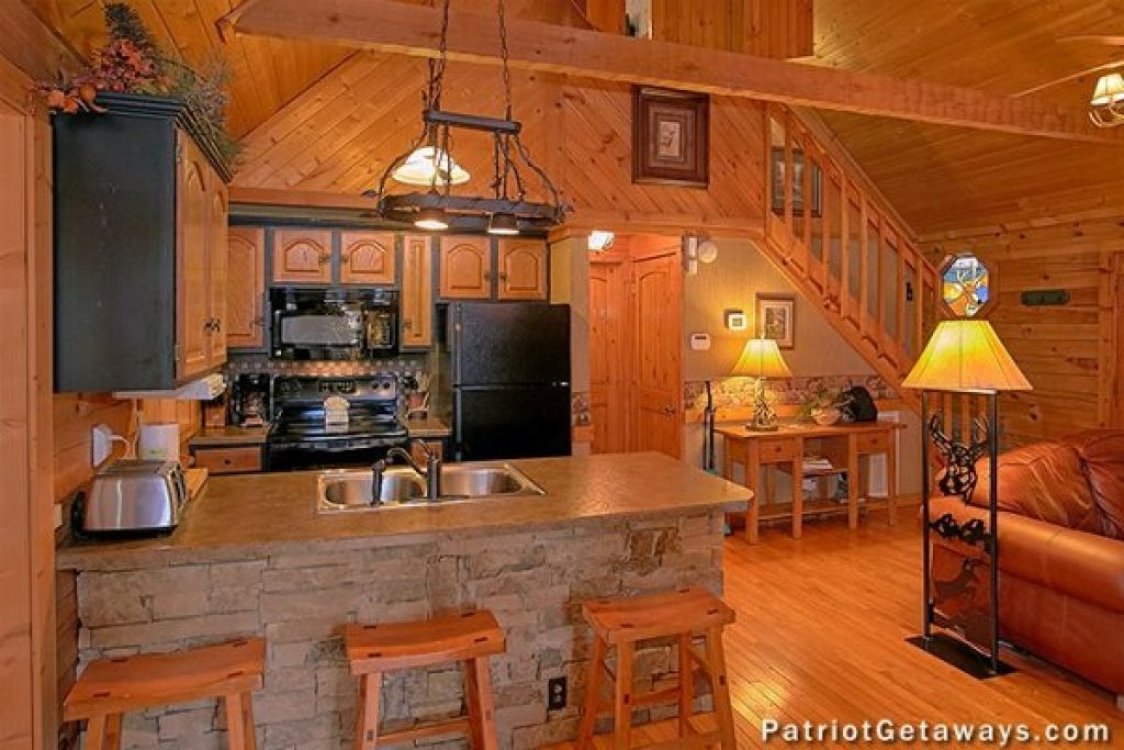 Photo of a Sevierville Cabin named Stags Leap - This is the seventh photo in the set.
