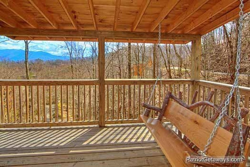 Photo of a Gatlinburg Cabin named Alpine Pointe - This is the eighteenth photo in the set.