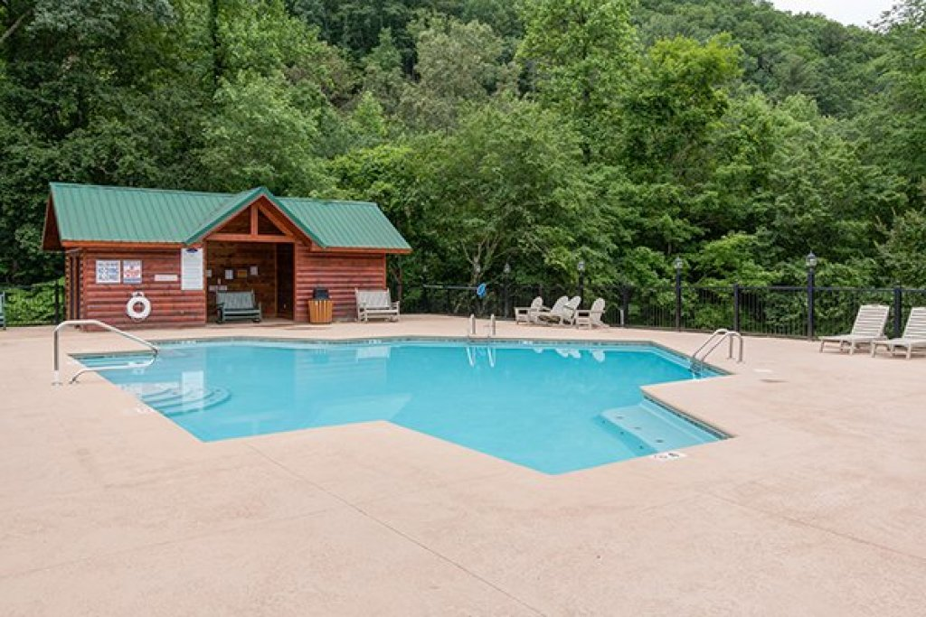 Photo of a Sevierville Cabin named Bearfoot Paradise - This is the fifty-first photo in the set.