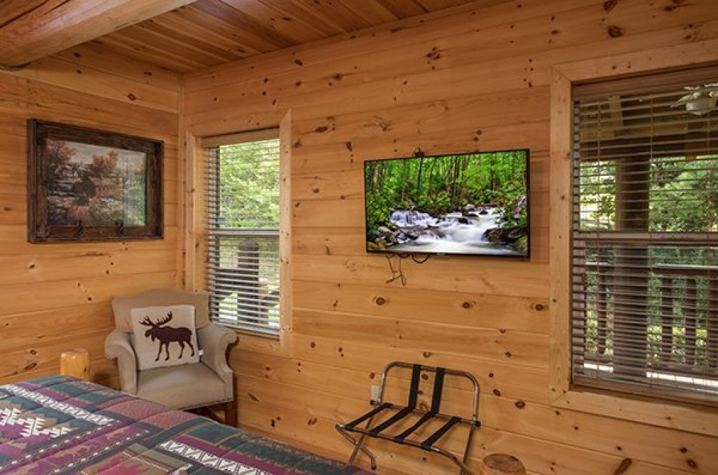 Photo of a Sevierville Cabin named Longwalker Lodge - This is the ninth photo in the set.