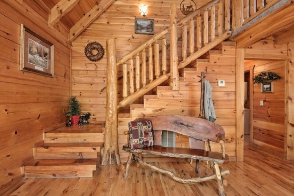Photo of a Pigeon Forge Cabin named Hidden Hideaway - This is the sixth photo in the set.