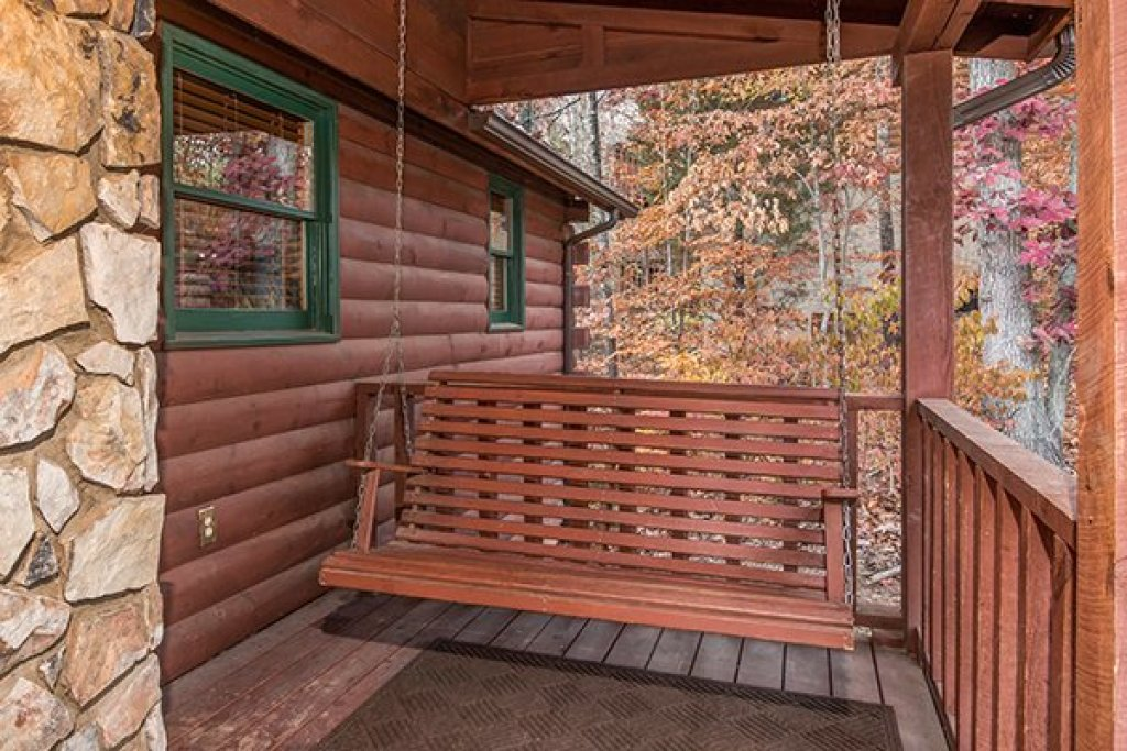 Photo of a Pigeon Forge Cabin named Just For Fun - This is the fourth photo in the set.
