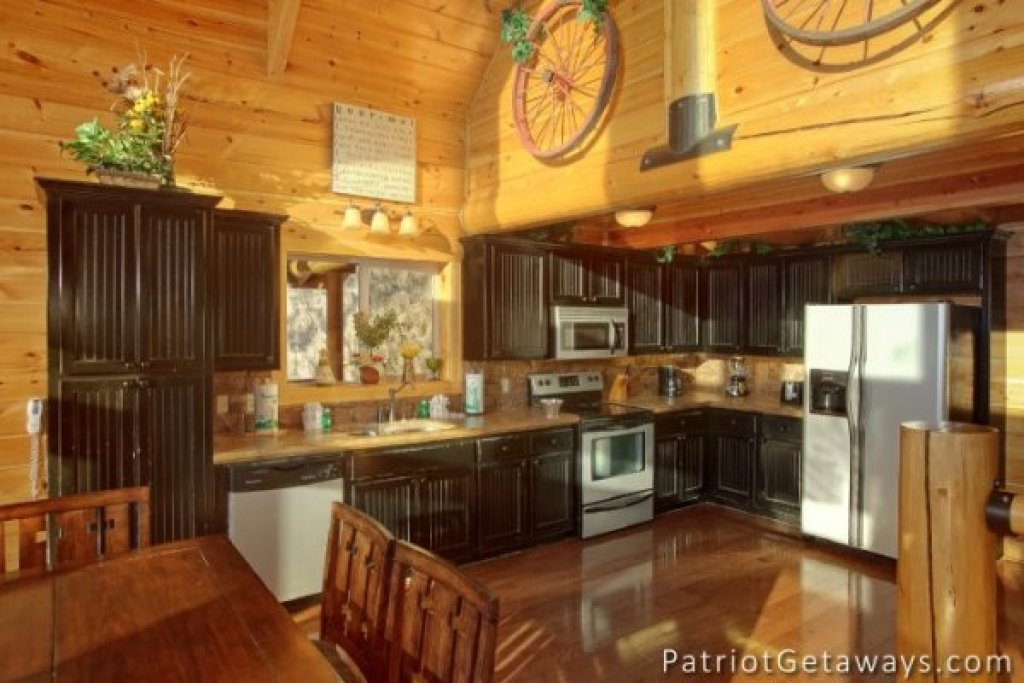 Photo of a Pigeon Forge Cabin named Taj Mahal - This is the sixth photo in the set.