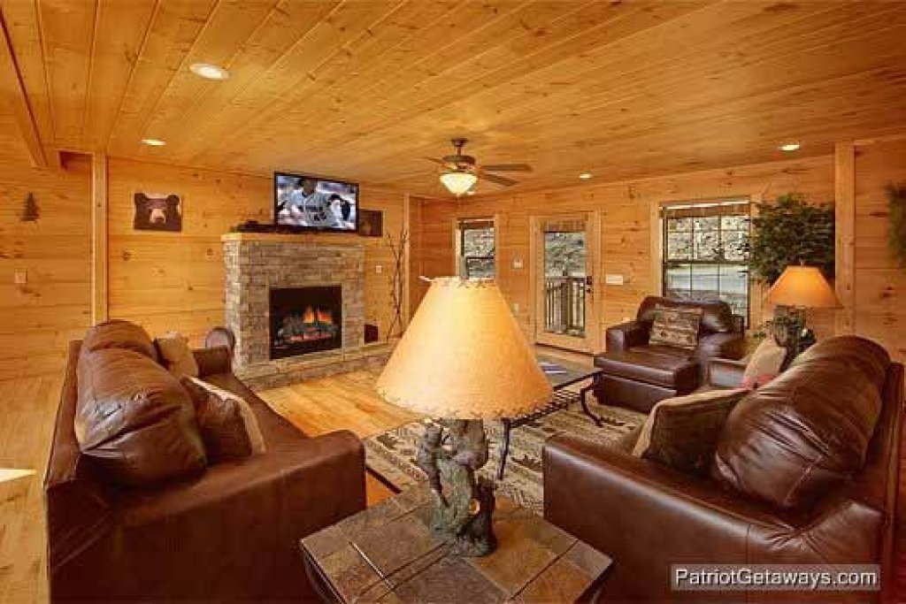 Photo of a Gatlinburg Cabin named Alpine Pointe - This is the ninth photo in the set.