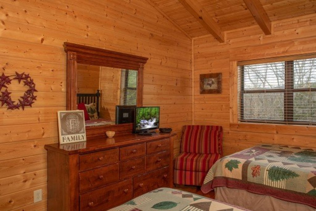Photo of a Sevierville Cabin named Let The Good Times Roll - This is the thirteenth photo in the set.