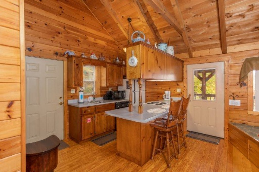 Photo of a Sevierville Cabin named Love Me Tender - This is the seventh photo in the set.