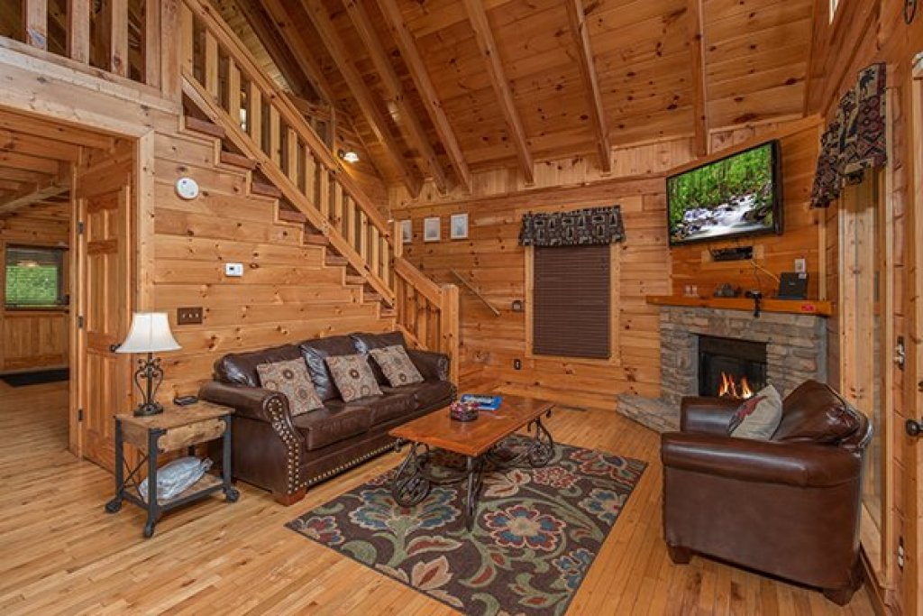 Photo of a Gatlinburg Cabin named Whisk-a-way Cabin - This is the third photo in the set.
