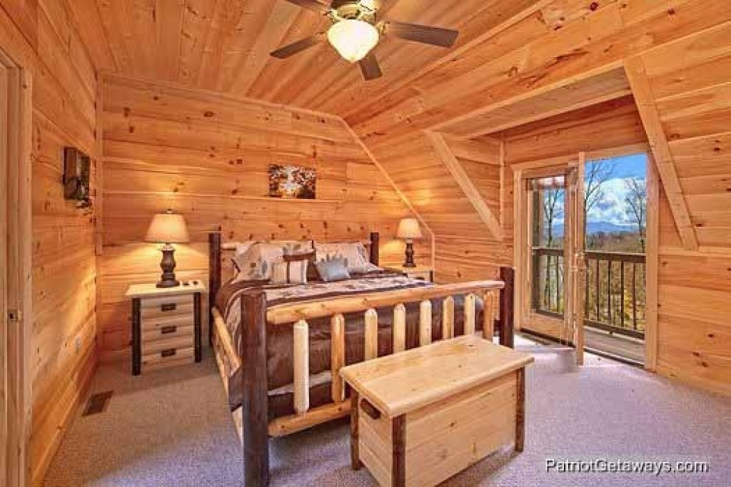 Photo of a Gatlinburg Cabin named Alpine Pointe - This is the thirteenth photo in the set.