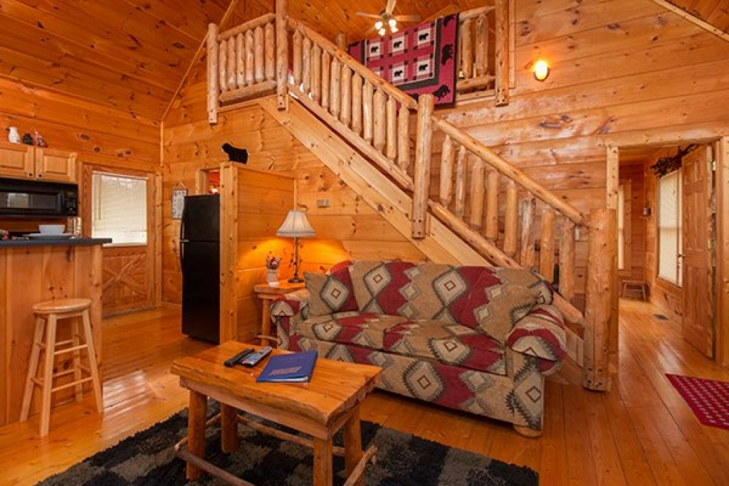 Photo of a Gatlinburg Cabin named Ivy Lodge - This is the third photo in the set.