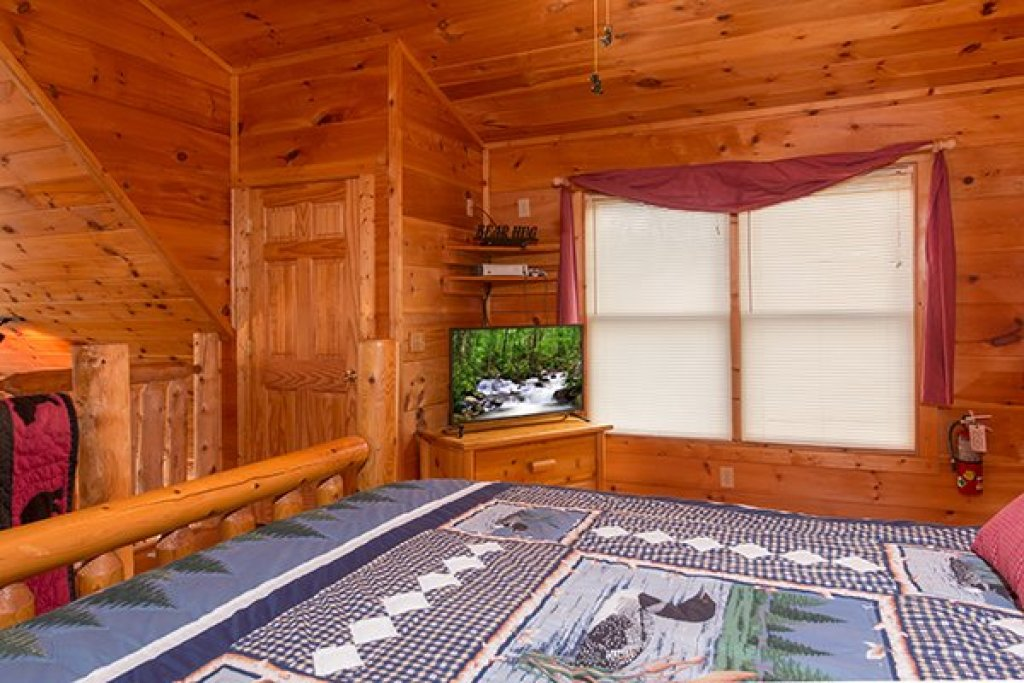 Photo of a Gatlinburg Cabin named Ivy Lodge - This is the seventeenth photo in the set.