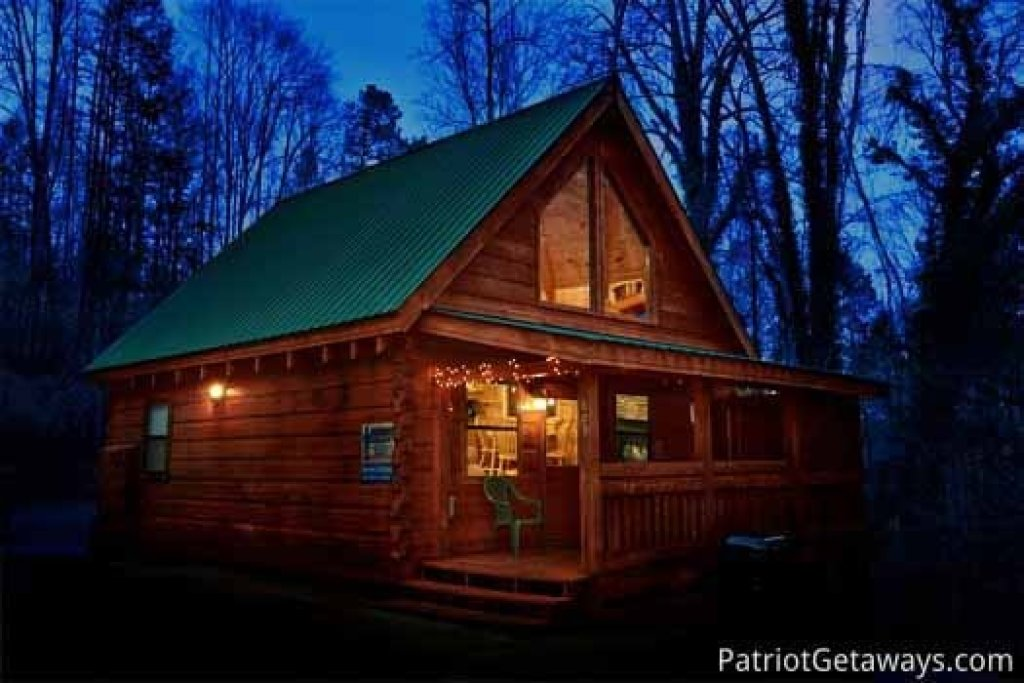 Photo of a Gatlinburg Cabin named Honeymoon In Gatlinburg - This is the first photo in the set.
