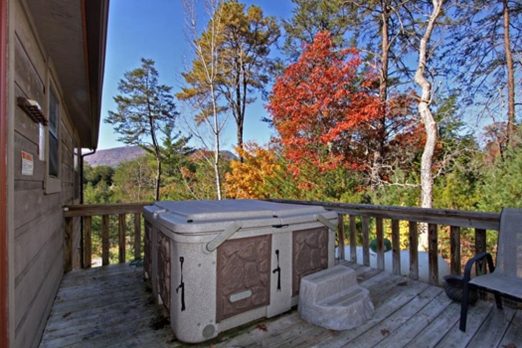 Photo of a Sevierville Cabin named Cabin On The Hill - This is the thirteenth photo in the set.