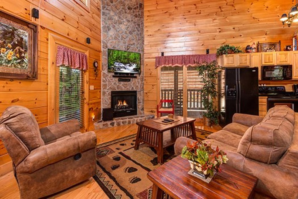 Photo of a Sevierville Cabin named Lazy Bear Lodge - This is the fourth photo in the set.