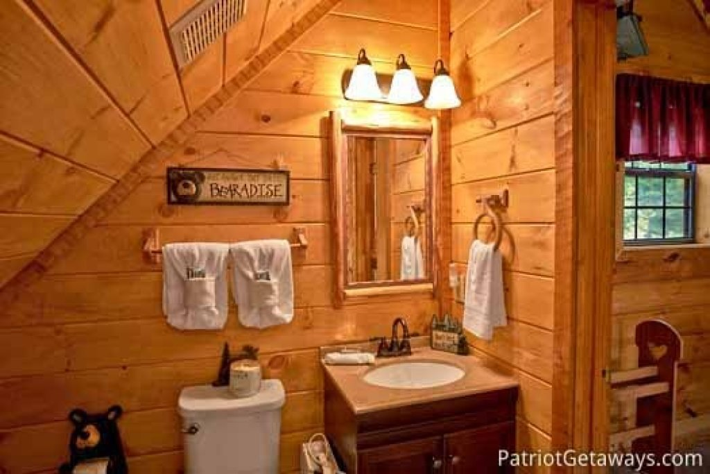 Photo of a Sevierville Cabin named Cabin On The Hill - This is the twenty-first photo in the set.