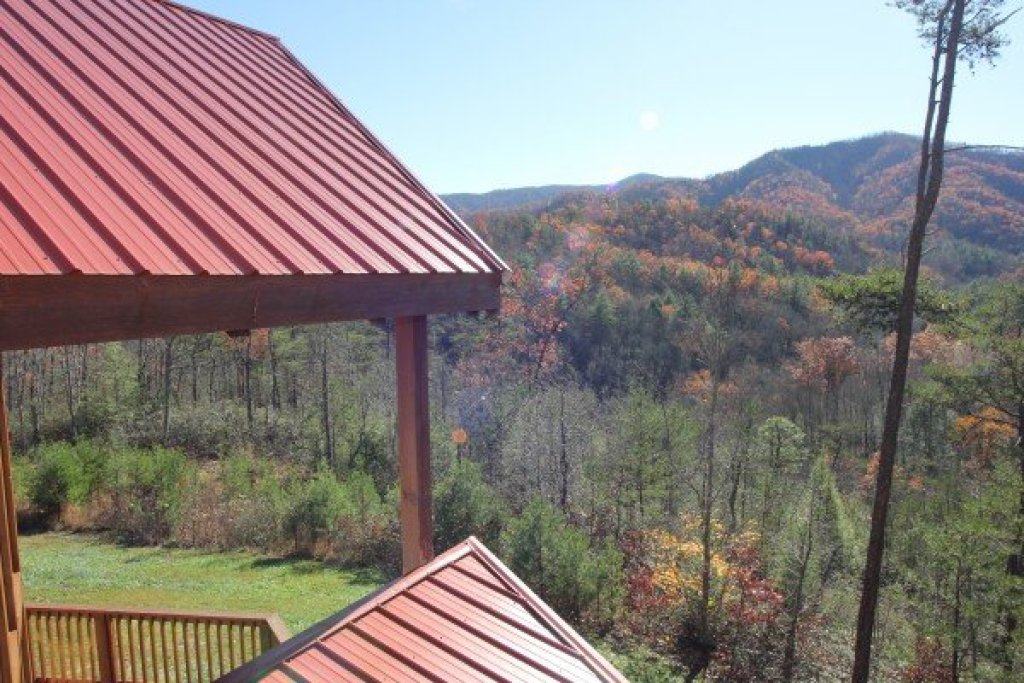 Photo of a Pigeon Forge Cabin named Four Seasons Lodge - This is the thirty-first photo in the set.
