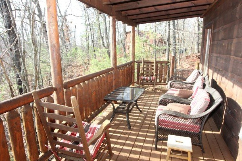 Photo of a Gatlinburg Cabin named Ivy Lodge - This is the fourteenth photo in the set.