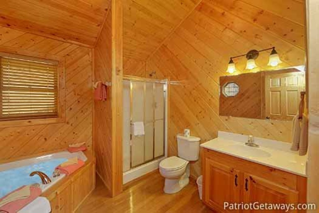 Photo of a Sevierville Cabin named About Time - This is the twentieth photo in the set.