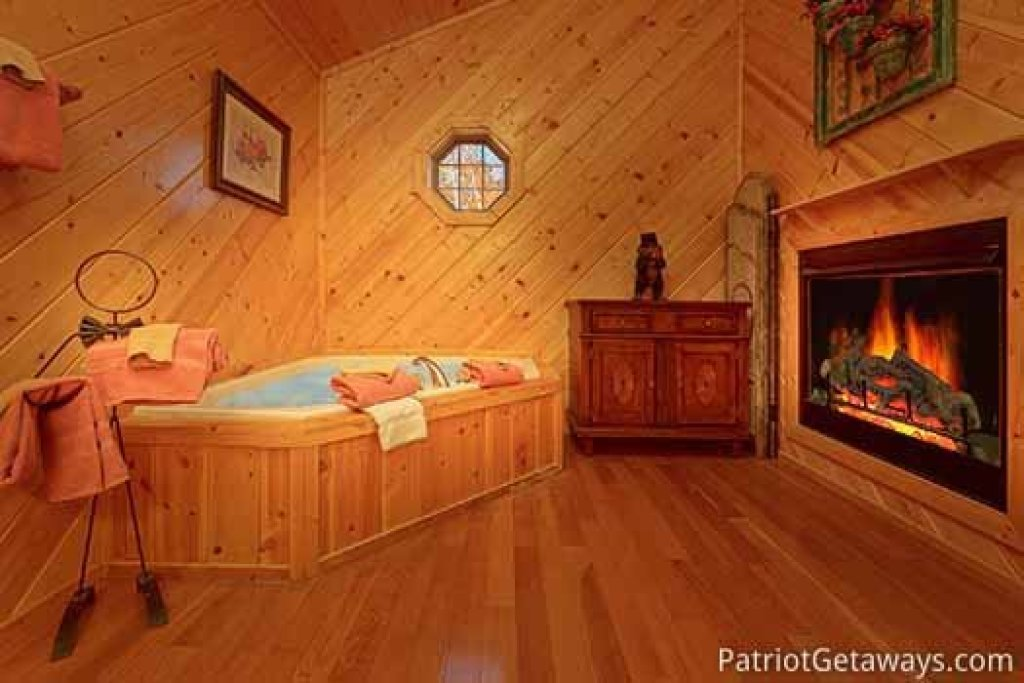 Photo of a Sevierville Cabin named About Time - This is the fifteenth photo in the set.