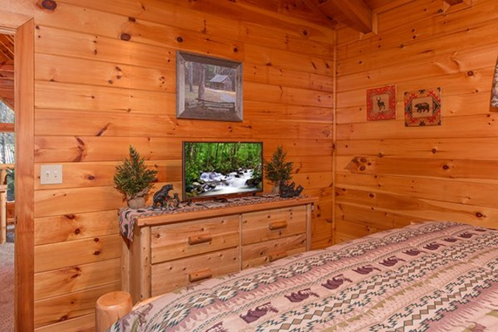 Photo of a Pigeon Forge Cabin named Mountain Harvest - This is the seventeenth photo in the set.