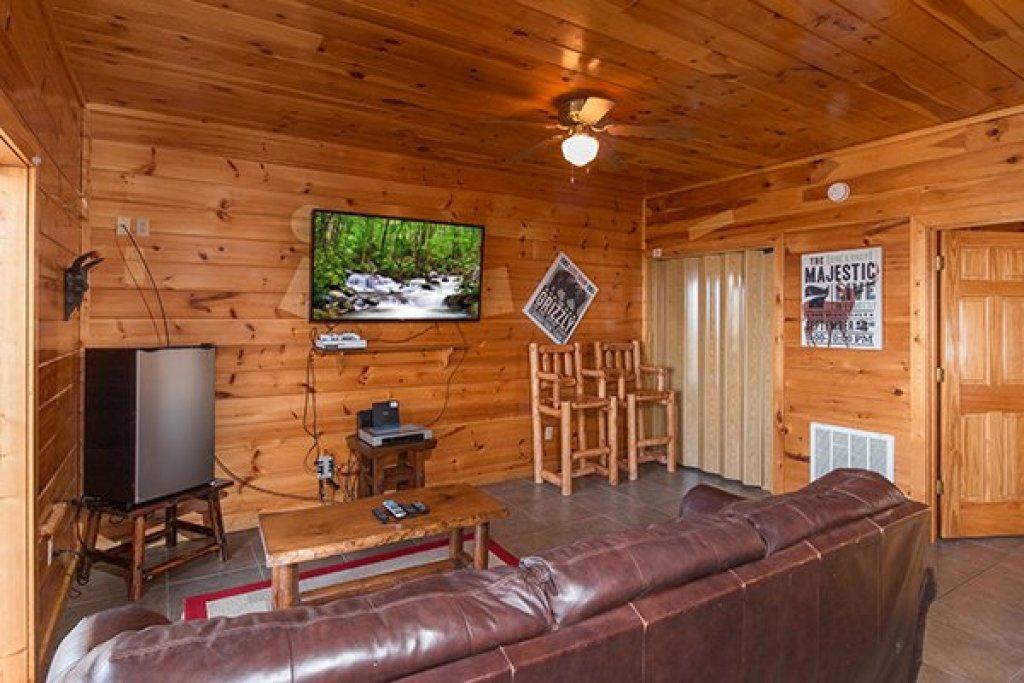 Photo of a Gatlinburg Cabin named Ella-vation - This is the fifteenth photo in the set.