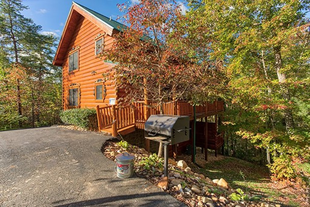Photo of a Sevierville Cabin named Bearfoot Paradise - This is the forty-sixth photo in the set.
