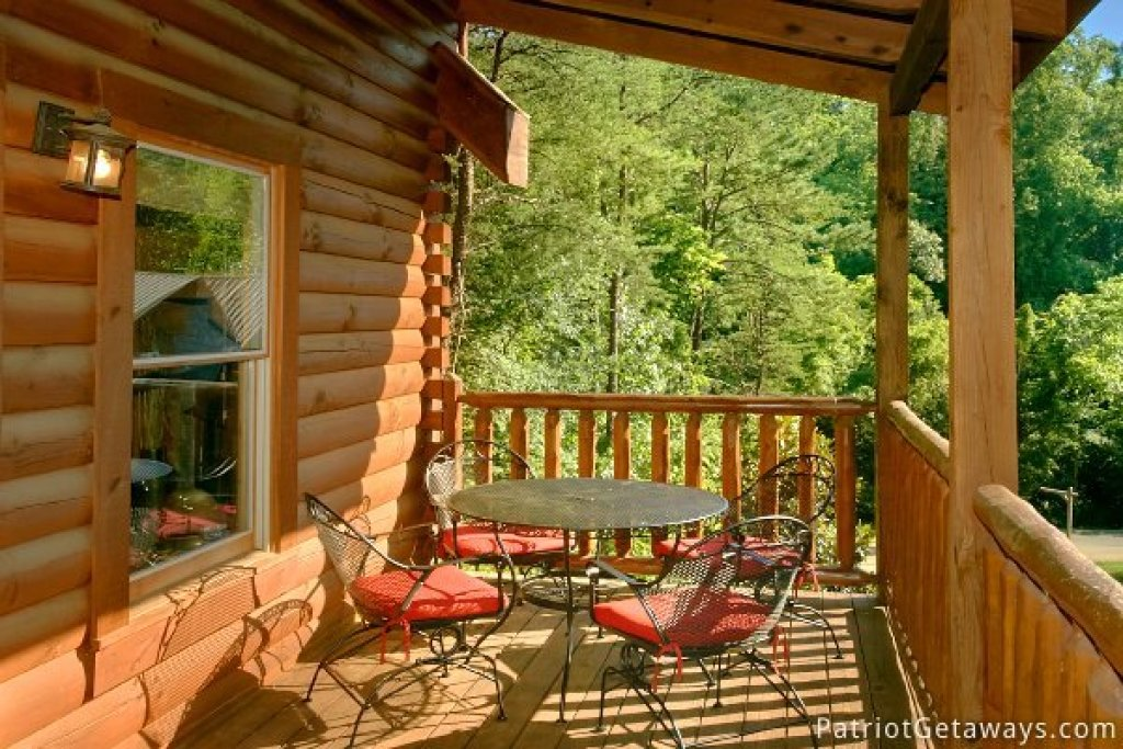 Photo of a Pigeon Forge Cabin named Alpine Sundance Trail - This is the tenth photo in the set.