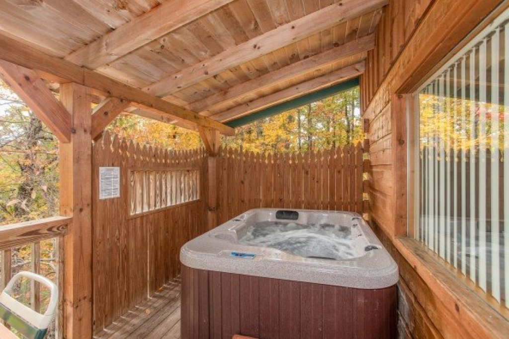 Photo of a Sevierville Cabin named Love Me Tender - This is the fifteenth photo in the set.
