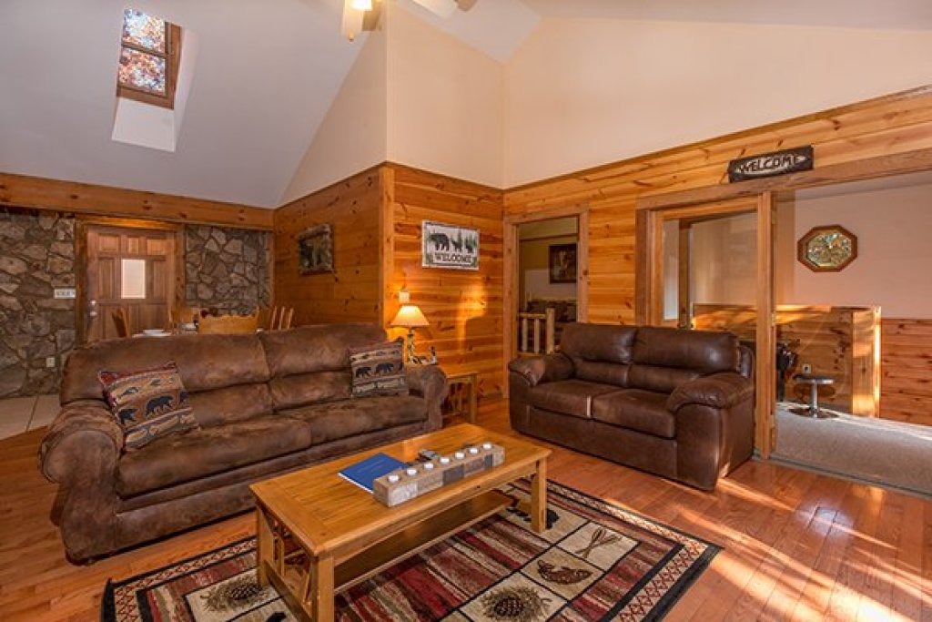 Photo of a Pigeon Forge Cabin named Just For Fun - This is the third photo in the set.