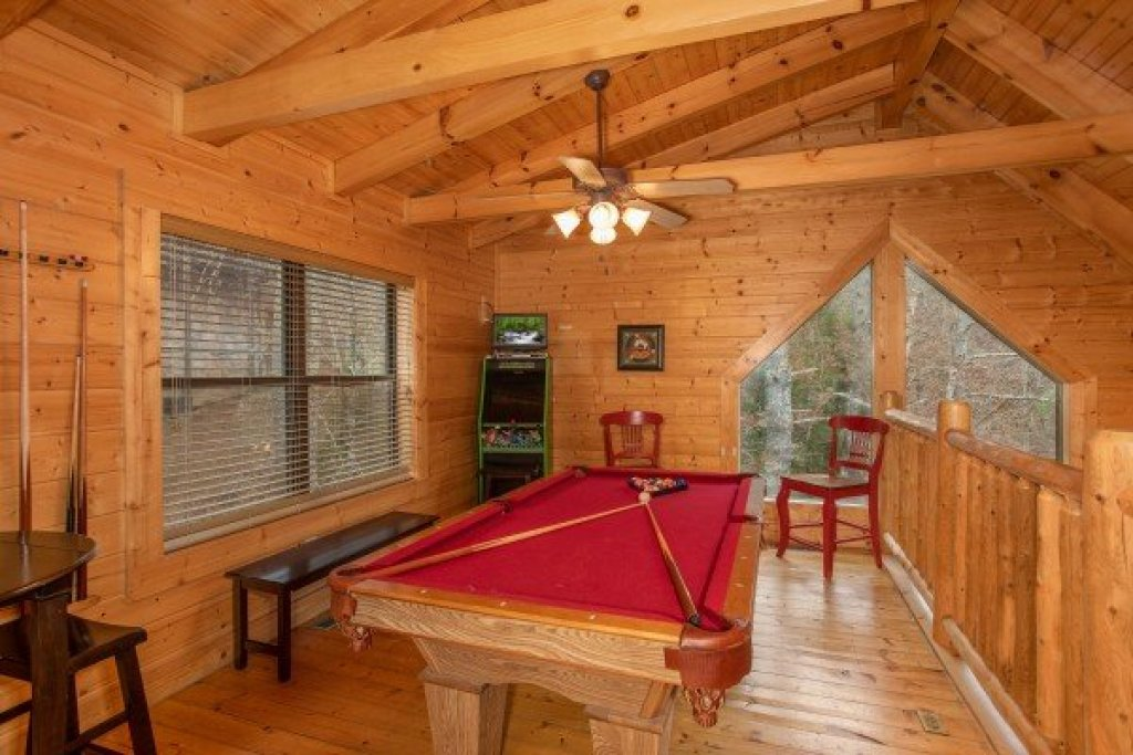 Photo of a Sevierville Cabin named Let The Good Times Roll - This is the fifteenth photo in the set.