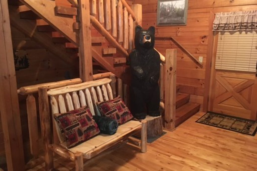 Photo of a Pigeon Forge Cabin named Mountain Harvest - This is the twelfth photo in the set.