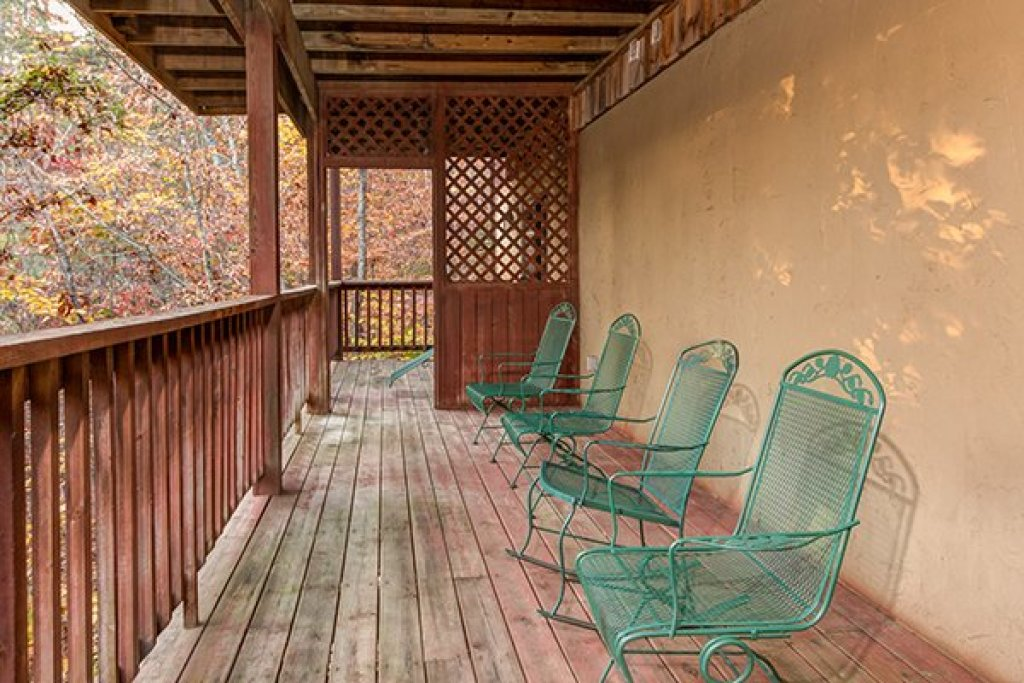 Photo of a Pigeon Forge Cabin named Just For Fun - This is the sixteenth photo in the set.
