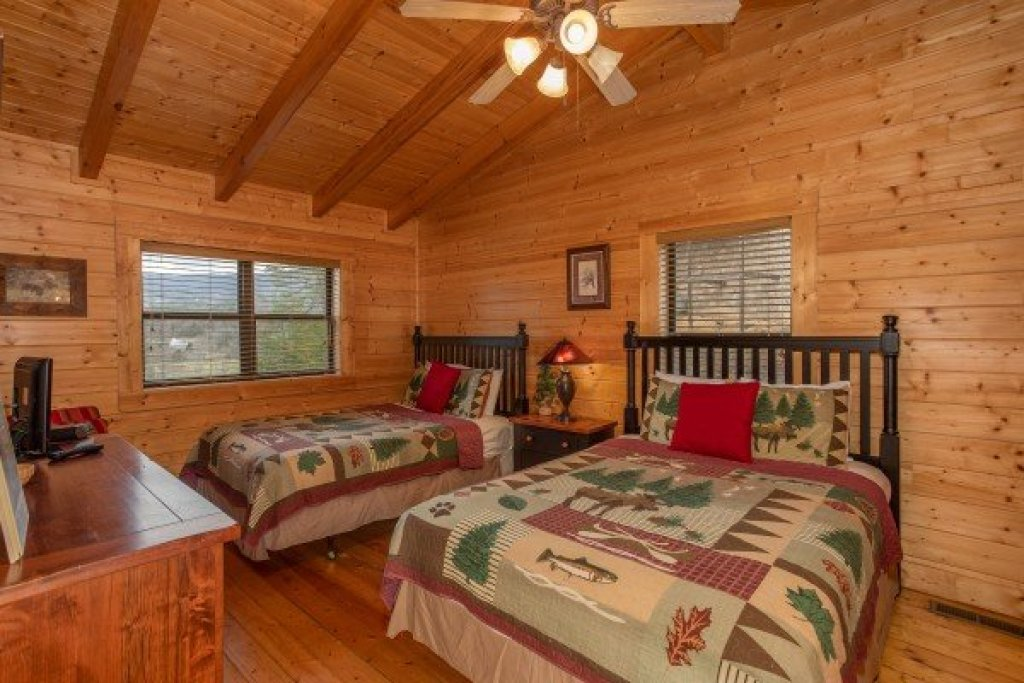 Photo of a Sevierville Cabin named Let The Good Times Roll - This is the twelfth photo in the set.