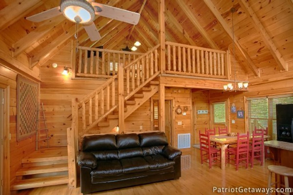Photo of a Pigeon Forge Cabin named Alpine Sundance Trail - This is the fourth photo in the set.