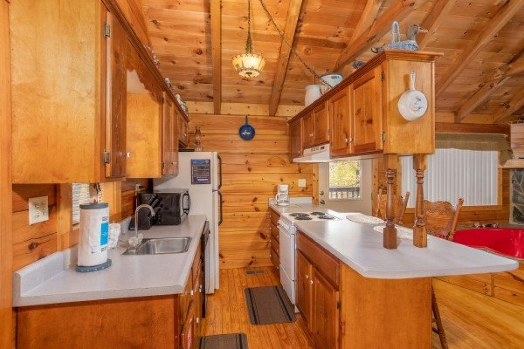 Photo of a Sevierville Cabin named Love Me Tender - This is the eighth photo in the set.
