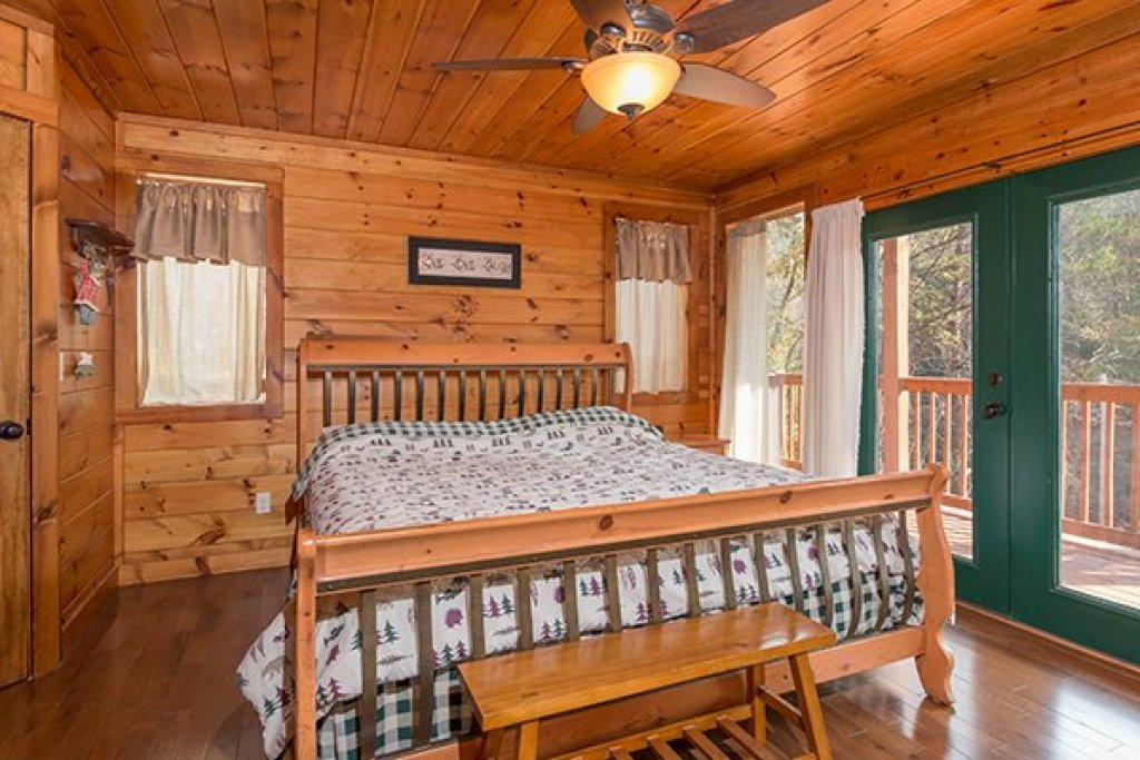 Photo of a Pigeon Forge Cabin named Rocky Top Lodge - This is the seventh photo in the set.