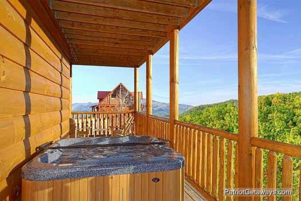 Photo of a Sevierville Cabin named Flying With Eagles - This is the eighteenth photo in the set.