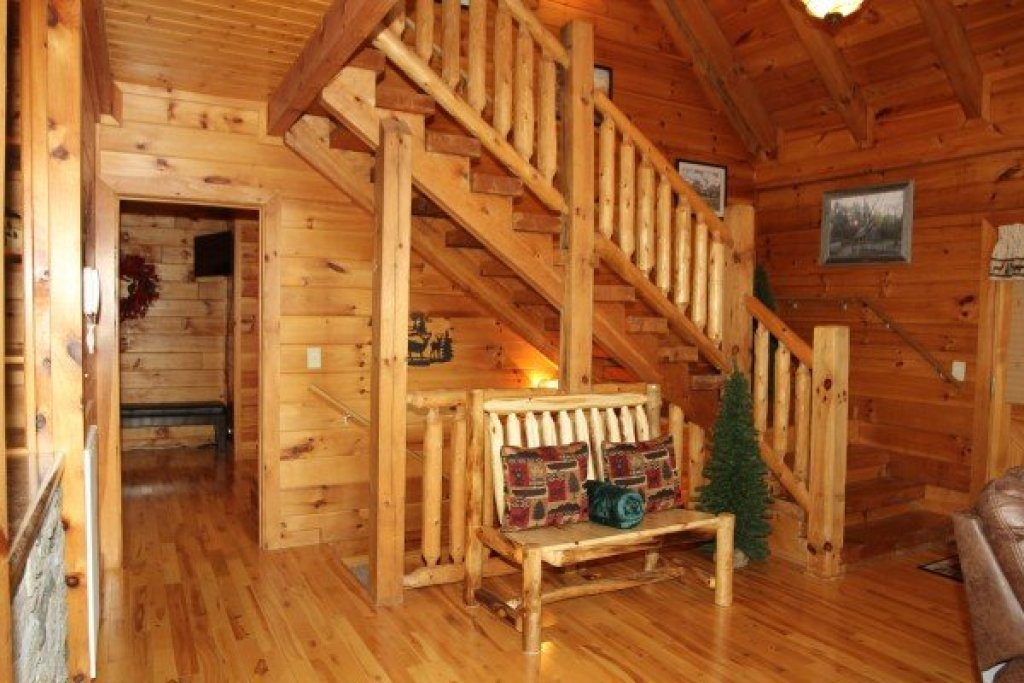 Photo of a Pigeon Forge Cabin named Mountain Harvest - This is the eleventh photo in the set.
