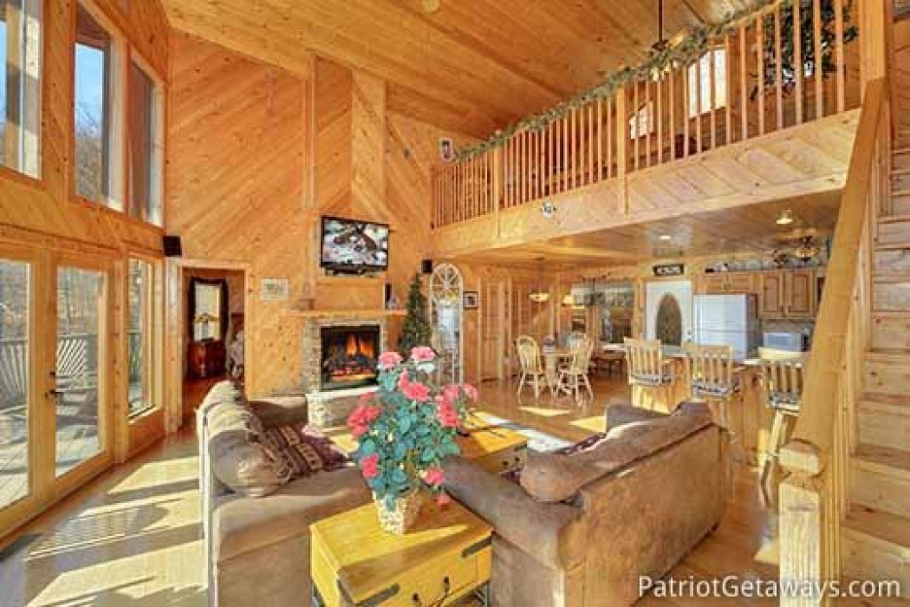 Photo of a Sevierville Cabin named About Time - This is the sixth photo in the set.