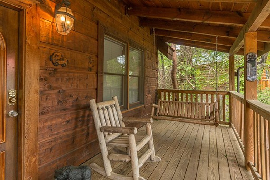 Photo of a Pigeon Forge Cabin named Amazing Journey - This is the second photo in the set.