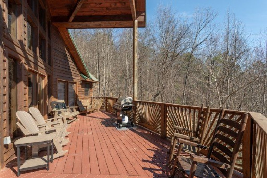 Photo of a Pigeon Forge Cabin named Kaleidoscope - This is the second photo in the set.