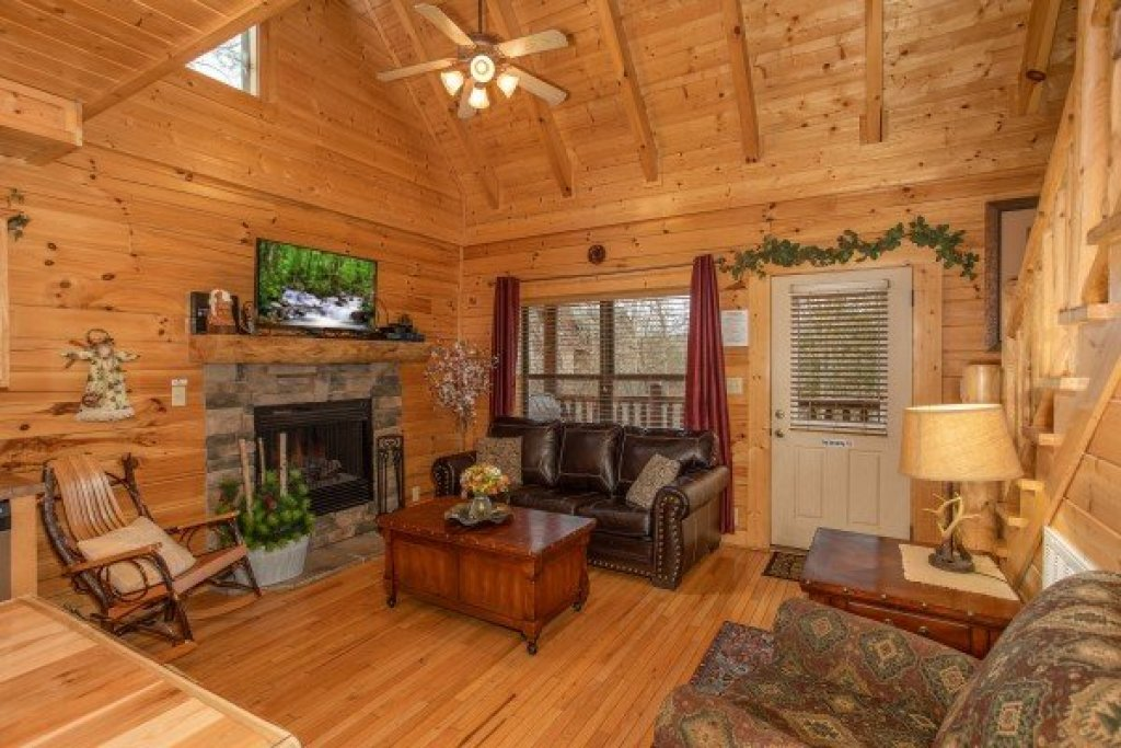Photo of a Sevierville Cabin named Let The Good Times Roll - This is the fifth photo in the set.
