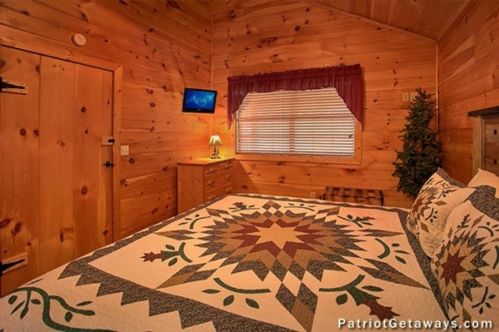 Photo of a Pigeon Forge Cabin named A Getaway With A View - This is the sixth photo in the set.