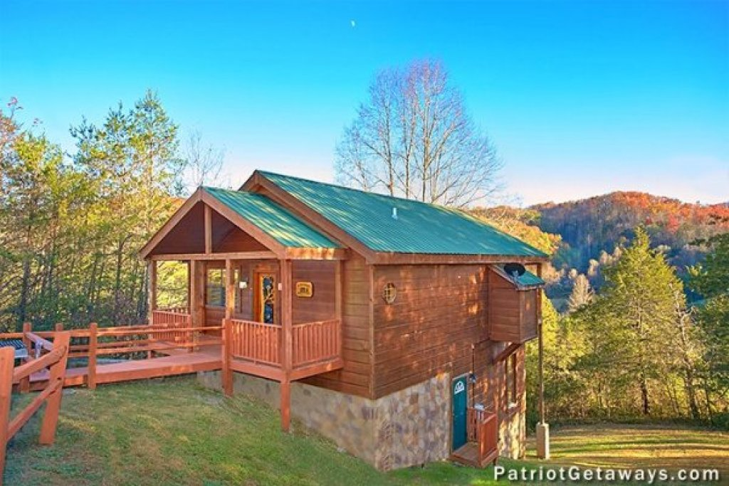 Photo of a Pigeon Forge Cabin named A Getaway With A View - This is the first photo in the set.