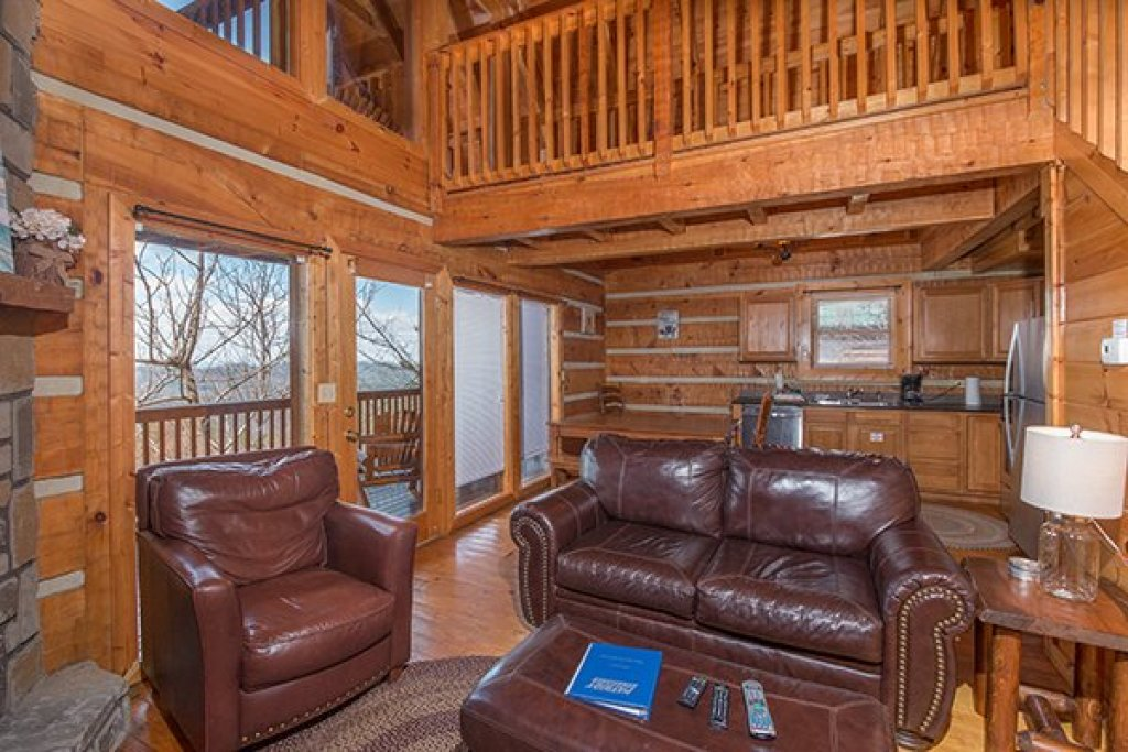 Photo of a Gatlinburg Cabin named Ella-vation - This is the fifth photo in the set.