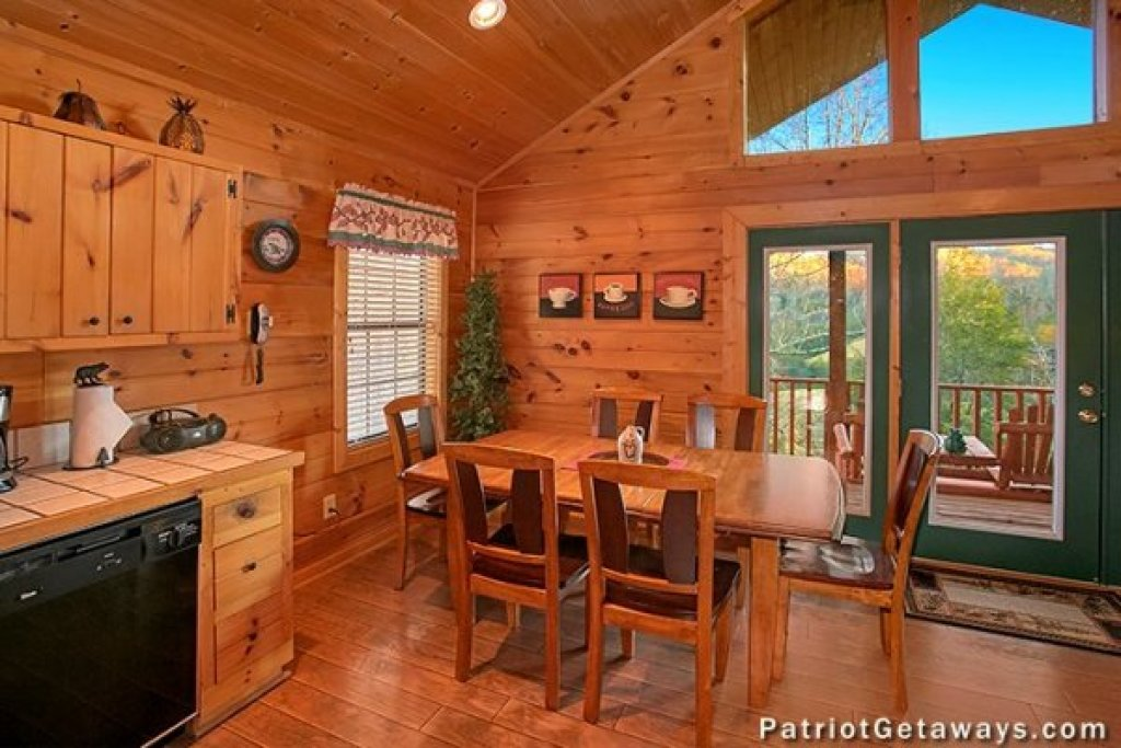 Photo of a Pigeon Forge Cabin named A Getaway With A View - This is the fifth photo in the set.