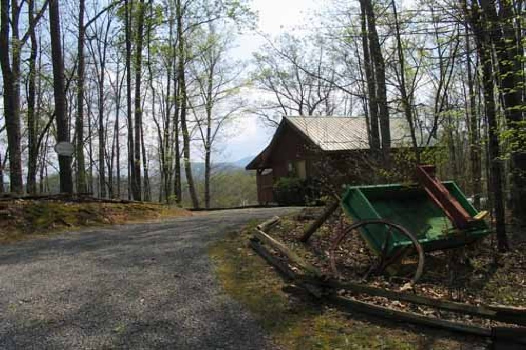 Photo of a Sevierville Cabin named Love Me Tender - This is the second photo in the set.