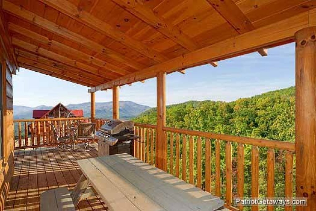 Photo of a Sevierville Cabin named Flying With Eagles - This is the fourteenth photo in the set.
