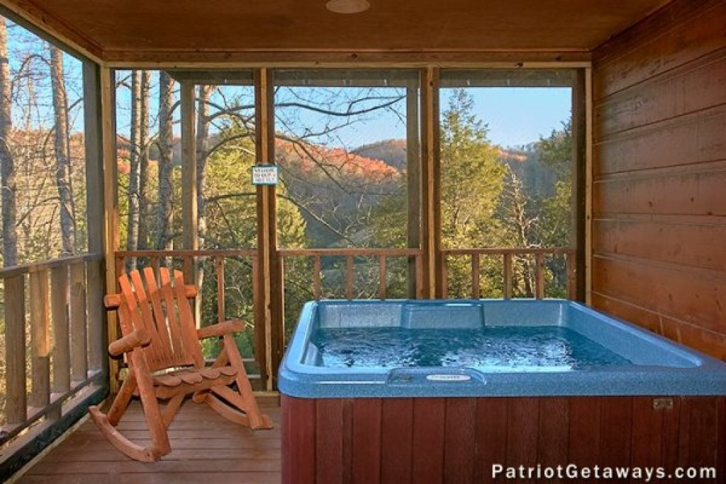 Photo of a Pigeon Forge Cabin named A Getaway With A View - This is the fourteenth photo in the set.