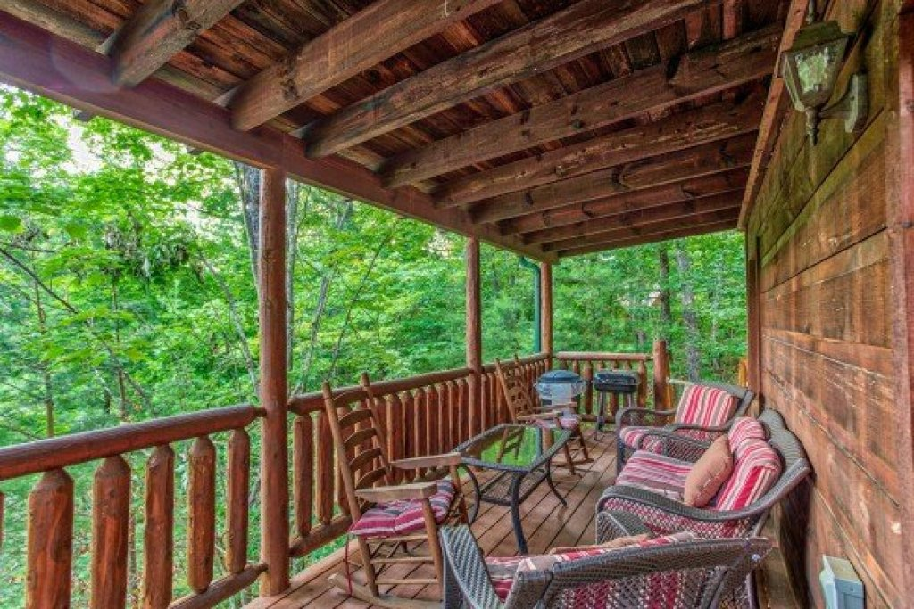 Photo of a Gatlinburg Cabin named Ivy Lodge - This is the seventh photo in the set.